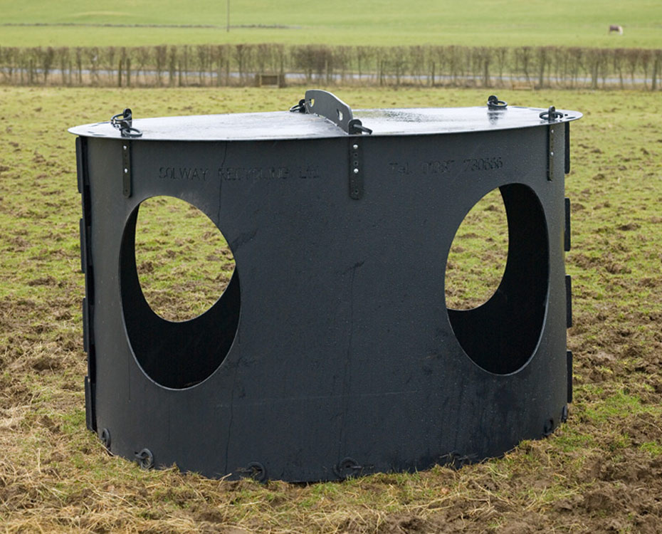 Solway Products Monster Hay Feeder Recycled Plastic Hay